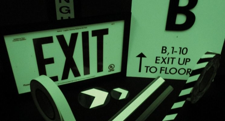 American PERMALIGHT® | General | Photoluminescent Egress Path Markings Guide You Out