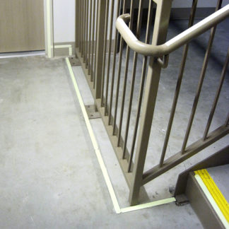 Floor-mounted Perimeter Demarcation